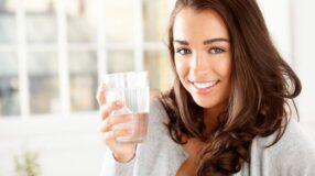 Combata a celulite com água