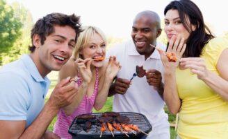 Curta o churrasco sem peso no estômago nem na consciência