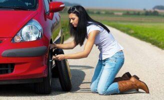 Descubra como trocar um pneu e livre-se de possíveis apuros
