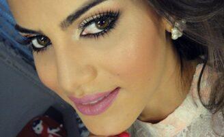 Maquiagem sem pincel por Camila Coelho