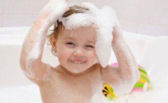 Transforme a hora do banho das crianças em um momento agradável