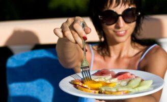 6 melhores frutas para saúde e beleza no verão