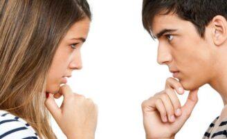 Devo contar tudo sobre meu ex para meu namorado atual?