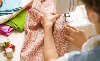 10 maneiras diferentes de reaproveitar roupas velhas e usadas