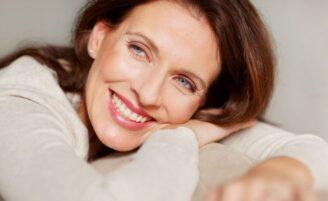 Implante ou dentadura: qual a melhor opção?
