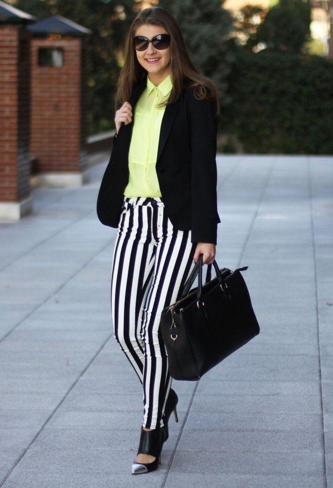 look calca listrada 14 Preto e branco na calça listrada: clássico e ousado