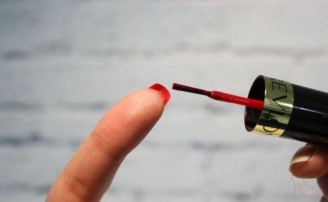 unhas louboutin 1 Unhas Louboutin: o símbolo da marca agora nas unhas