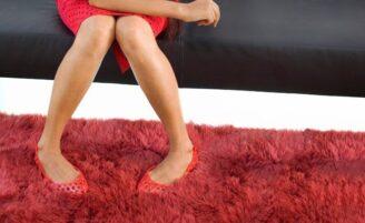 4 segredos para limpar o tapete em casa