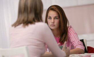 Como os pais devem orientar os filhos sobre drogas