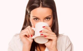 Veja 10 chás poderosos que ajudam a emagrecer e a rejuvenescer