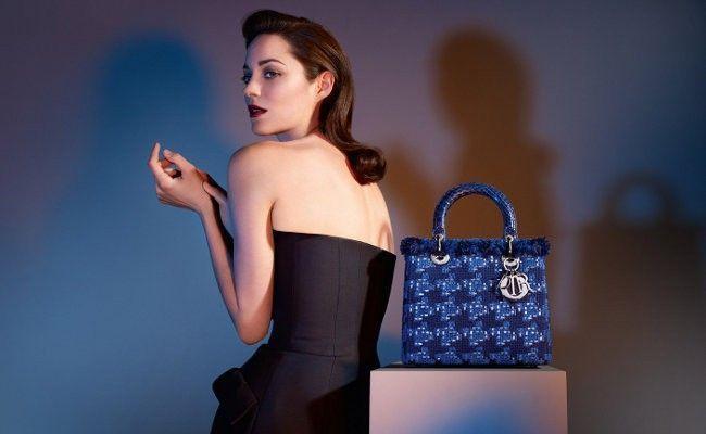 Propaganda da Dior, uma das grifes mais caras do mundo. Foto  Reprodução. 7034c40d38