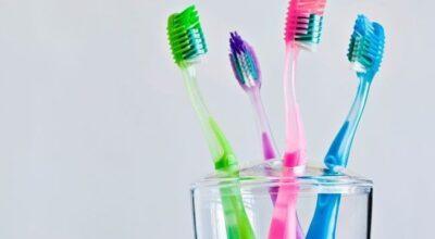 12 utilidades diferentes da escova de dente