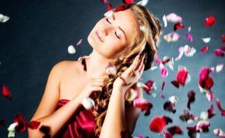 Entenda como funciona a aromacologia nos cabelos