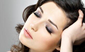 Aprenda a fazer uma maquiagem leve e bonita