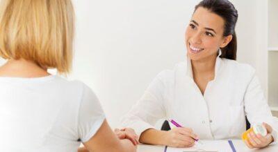 O que devo perguntar ao dermatologista em uma consulta?