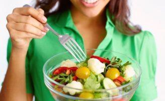 10 maneiras fáceis e práticas de melhorar sua digestão