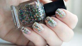 5 maneiras de usar glitter nas unhas