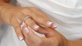 Como usar as alianças de noivado
