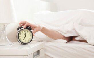 Dormir até tarde no fim de semana pode ajudar a prevenir diabetes