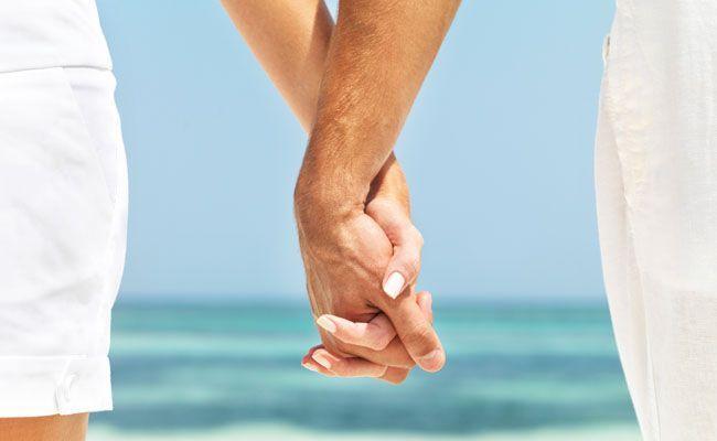 Estudo mostra por que é importante andar de mãos dadas com