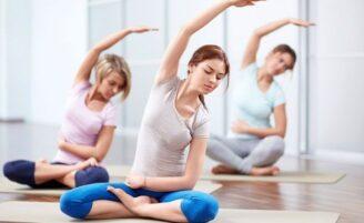 11 exercícios fáceis de ioga para turbinar sua energia
