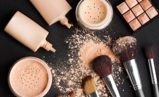 7 substâncias presentes nos cosméticos que você deve evitar