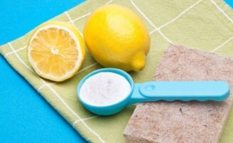 Como fazer um kit de limpeza ecologicamente correto para sua casa
