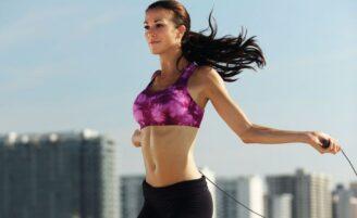 Pular corda emagrece até 800 calorias em 1 hora