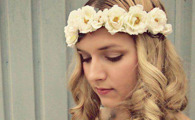 tiara de flores 12 Como usar tiaras: adote o acessório e inove nos penteados