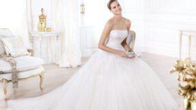 Vestido de noiva tomara que caia: sexy e romântico na medida certa