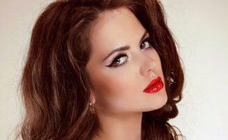 10 vídeos de maquiagem incríveis para a noite ou festas