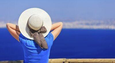 4 regiões do corpo mais castigadas pelo sol e como protegê-las