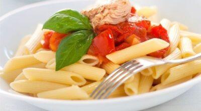 Coma macarrão sem medo de engordar