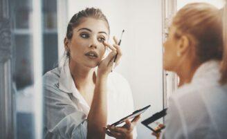 Como se maquiar: dicas para iniciantes na arte da maquiagem