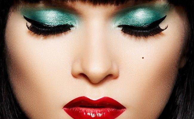Maquiagem para vestido verde militar