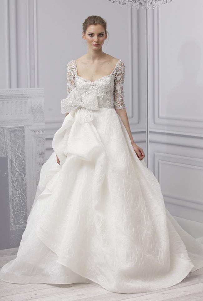 Vedere i modelli di designer di fama internazionale e ispirare voi stessi  per scegliere il suo abito per il grande giorno. 10aa934db0a