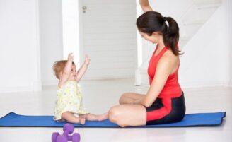 5 maneiras divertidas de queimar calorias com o seu bebê