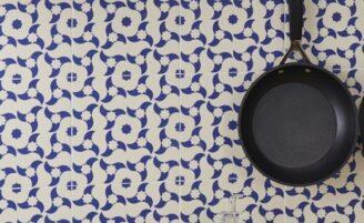 Renove o ambiente com adesivos para azulejos