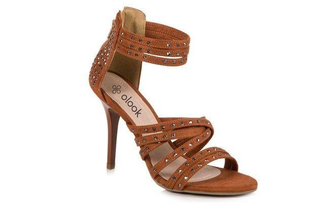 sandalia tiras salto fino Sandália de salto alto: conheça os modelos e veja como usar cada um