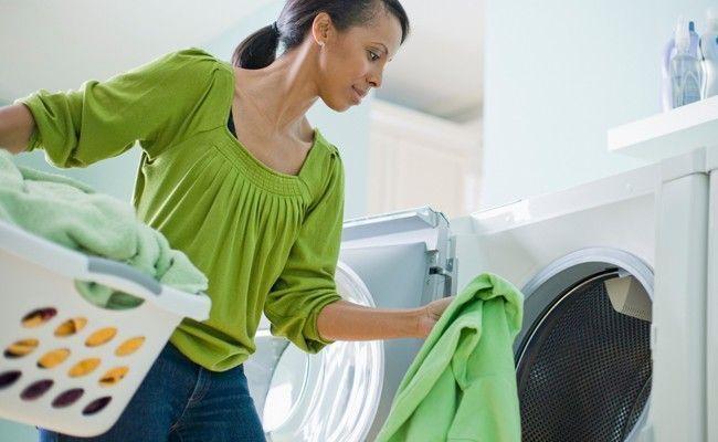 9 erros que cometemos na hora de lavar as roupas - Dicas de Mulher