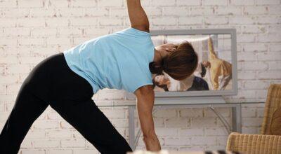 Pratique ginástica funcional com objetos que você tem em casa