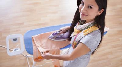 6 maneiras de passar roupa sem usar o ferro