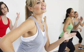 É possível fazer as aulas mais populares da academia em casa?