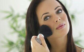 Maquiagem para disfarçar palidez: como mudar o visual de forma simples