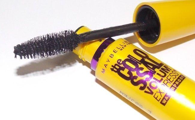 the colossal maybelline Os 10 produtos de maquiagem mais indicados pelas blogueiras brasileiras