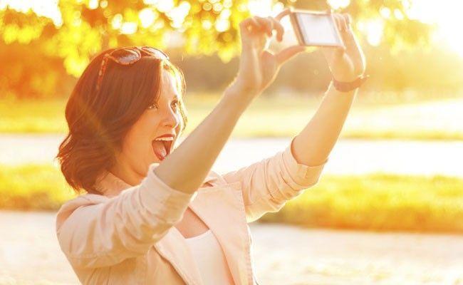 8 dicas para tirar a selfie perfeita 2 - 21 TRUQUES PARA SAIR BEM NAS FOTOS