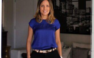 Blusas de cetim: como usá-las em vários estilos de look