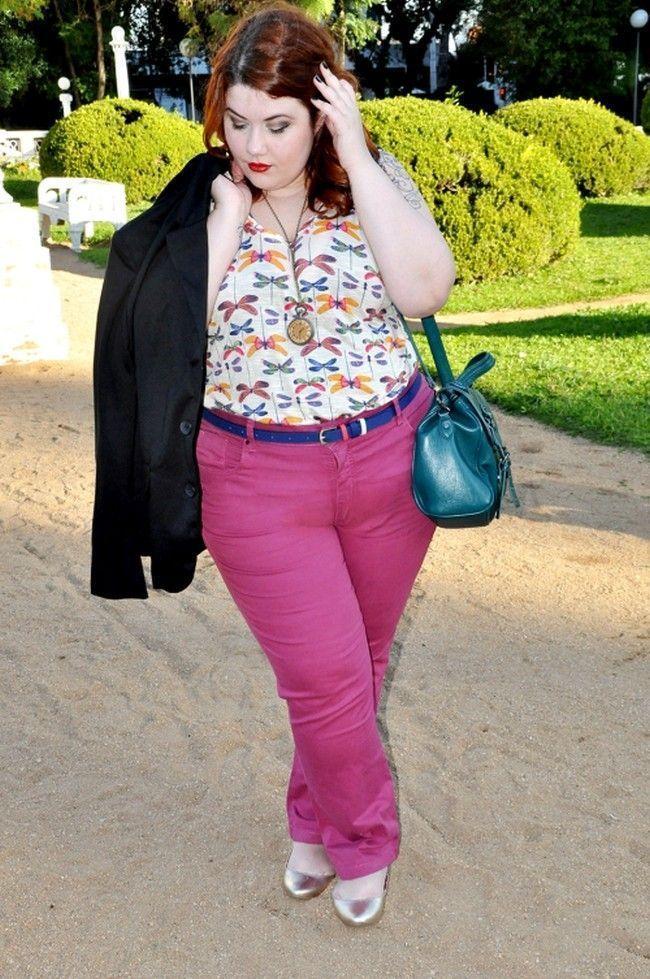 calça reta plus size 1 7 itens que não podem faltar em um guarda roupa plus size