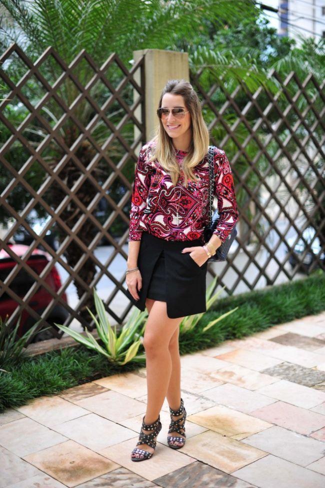 f976cab178 Blusas de cetim  como usá-las em vários estilos de look - Dicas de Mulher