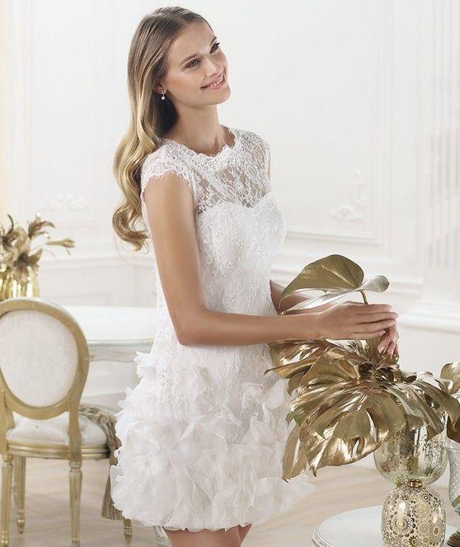 40c07ba703ba Qui di seguito una sequenza di foto con diversi abiti da sposa corti per  scegliere il modello. Qualunque sia il vostro stile